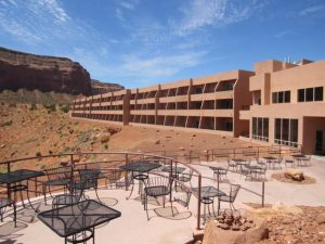 hotel-the-view-monument-valley-2_640x480