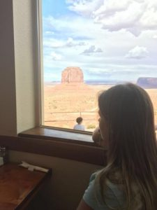 hotel-the-view-monument-valley-9_360x480
