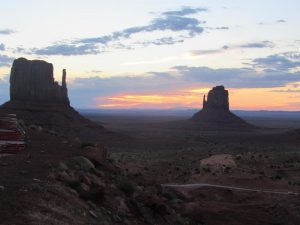 Amanecer en Monument Valley
