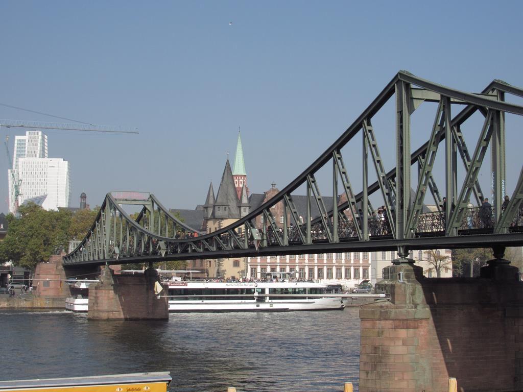 Puente de Hierro, Frankfurt