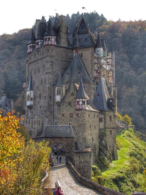 Burg Eltz. Valle de Mosela