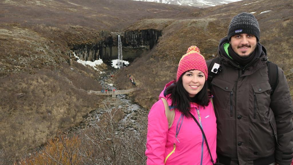 subida a la cascada de Svartiföss